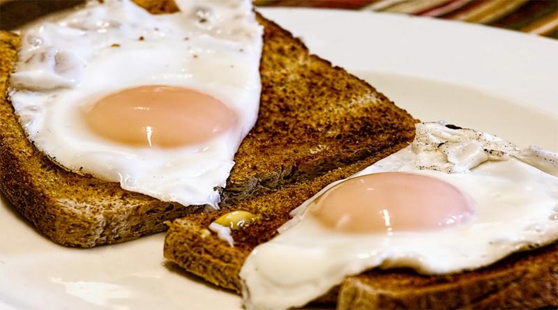 P-food-eggs-toast-breakfast
