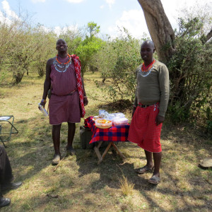 P-masai-mara-picnic-people