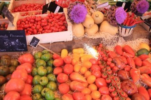 Red & orange food contains lycopenes