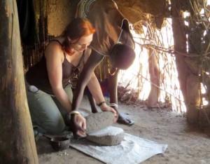 P-grinding flour-africa-women-hut