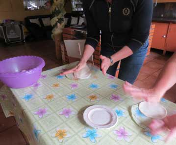 P-making tortillas-costa rica