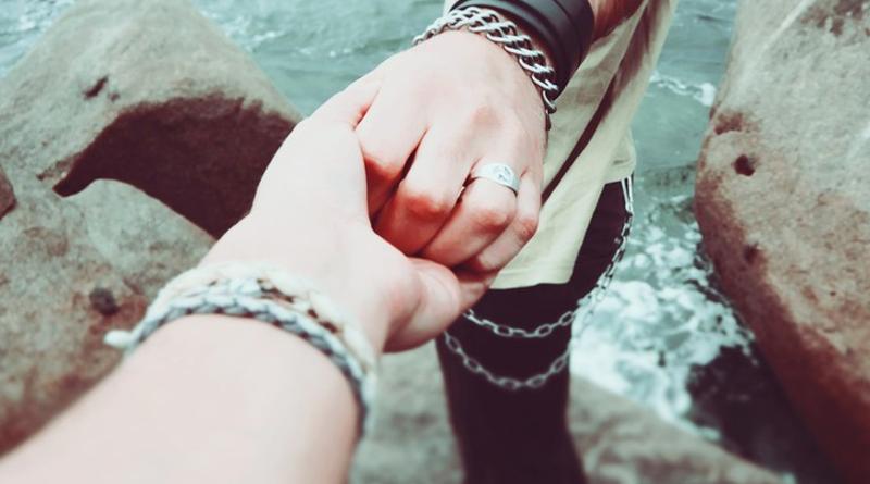 P-hands-holding-friends-couple-bond